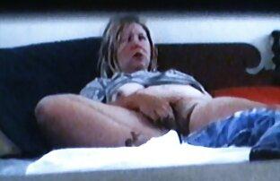 Un étalon noir baise une pute blonde sexy cite video porno