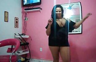 MILF aux gros vidéos x en streaming seins