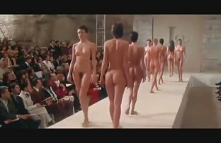 une fille dodue lèche porno français en streaming et suce jusqu'à ce qu'elle goutte. sexy bbw partie 2
